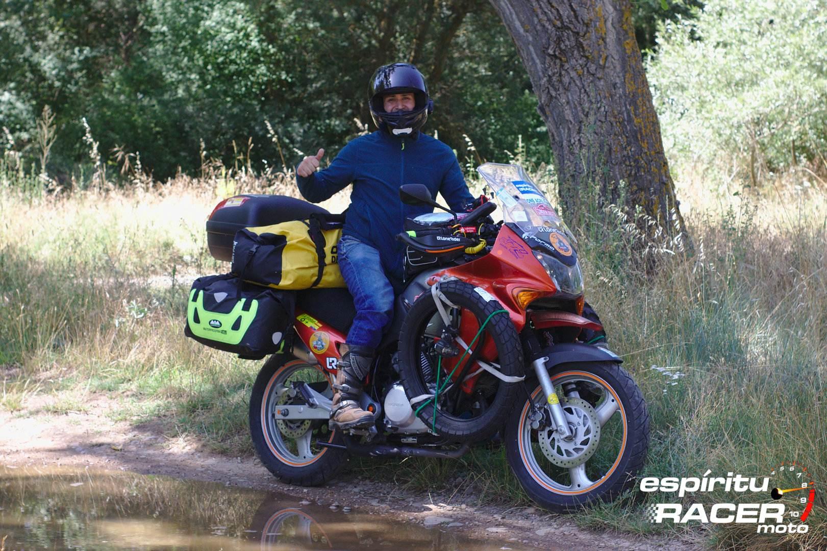 Pedro a Mongolia espirituRACER moto 03