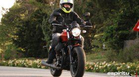 Prueba Moto Guzzi V9 Bobber Sport 06