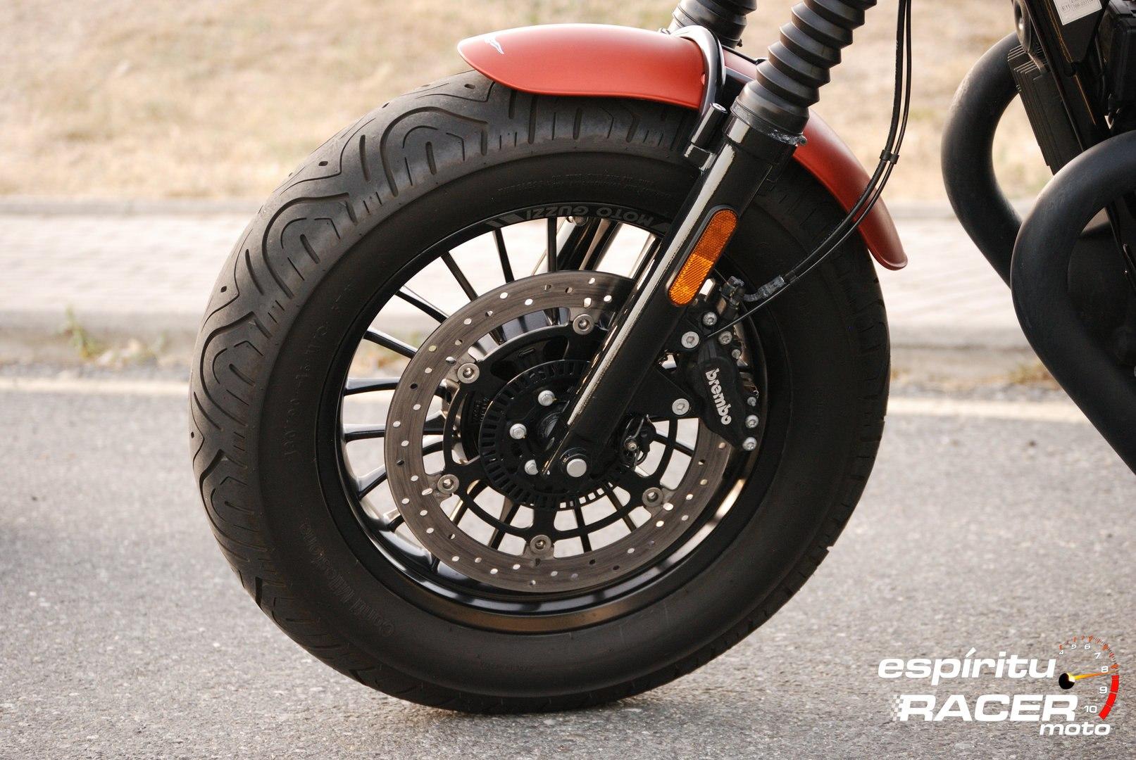 Prueba Moto Guzzi V9 Bobber Sport 13