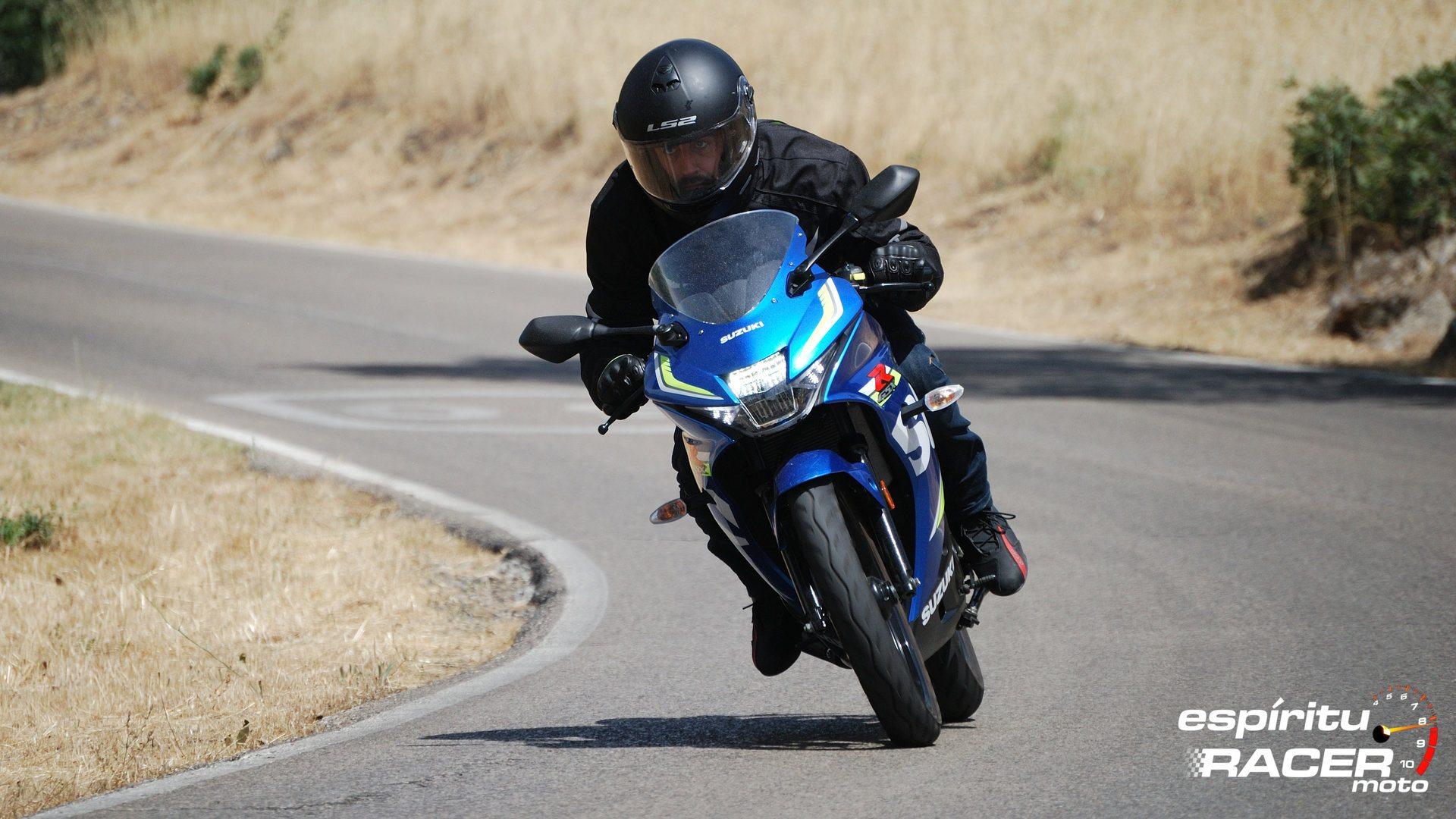 Prueba Suzuki GSX R125Z 03