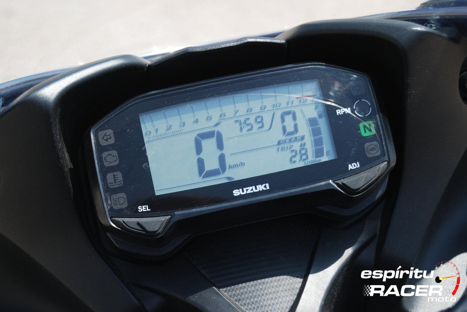 Prueba Suzuki GSX R125Z 28