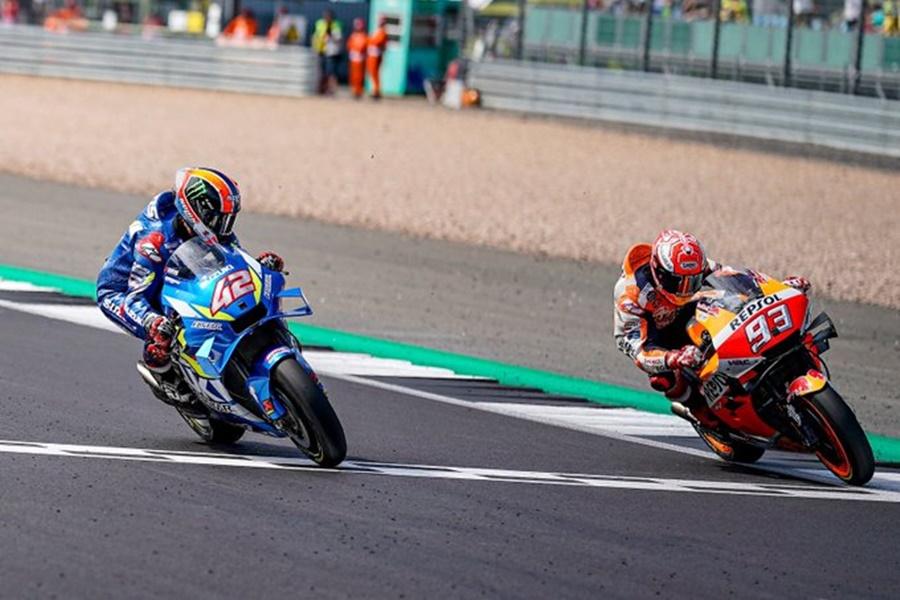 Álex Rins gana el Gran Premio de Gran Bretaña 2019