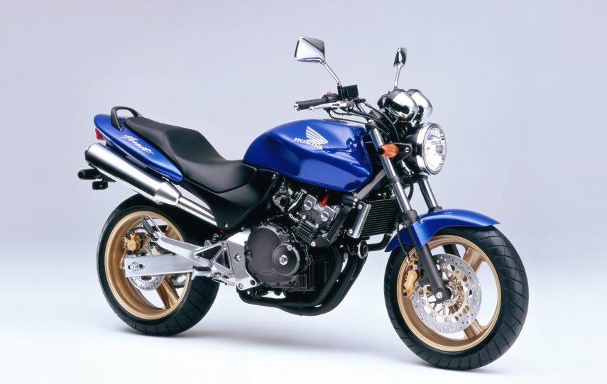 Moto del día: Honda Hornet 250
