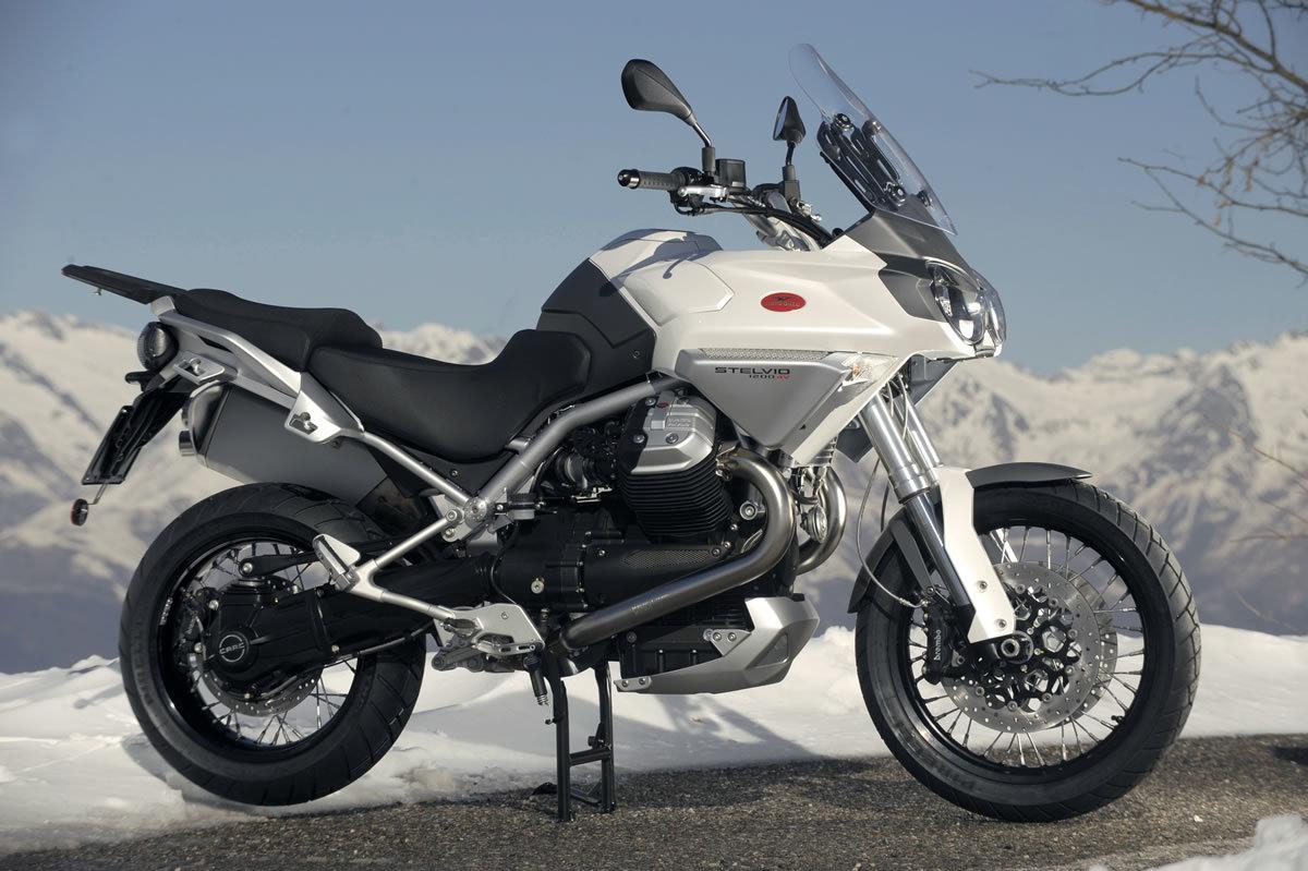 Moto del día: Moto Guzzi Stelvio 1200