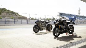 Triumph Daytona Moto2 765 01