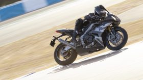 Triumph Daytona Moto2 765 03