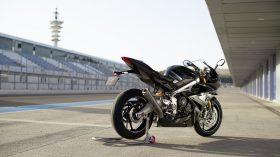 Triumph Daytona Moto2 765 12