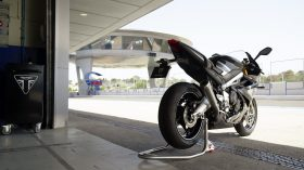 Triumph Daytona Moto2 765 15