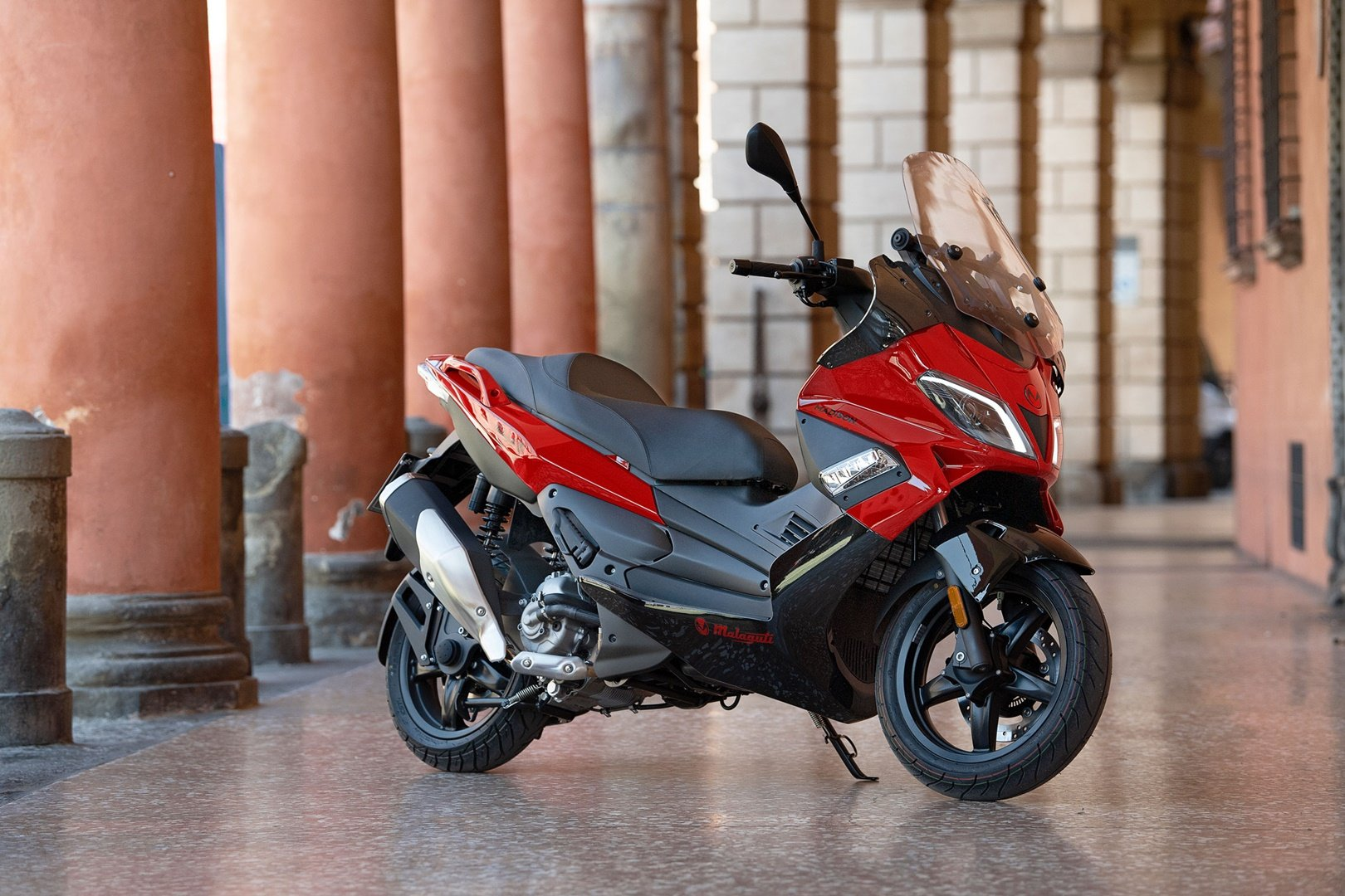 Malaguti Madison 300, el scooter multifuncional italiano ya se vende