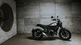 Ducati Scrambler Icon Dark 202011