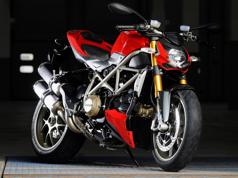 Ducati Streetfighter 1100 S 2