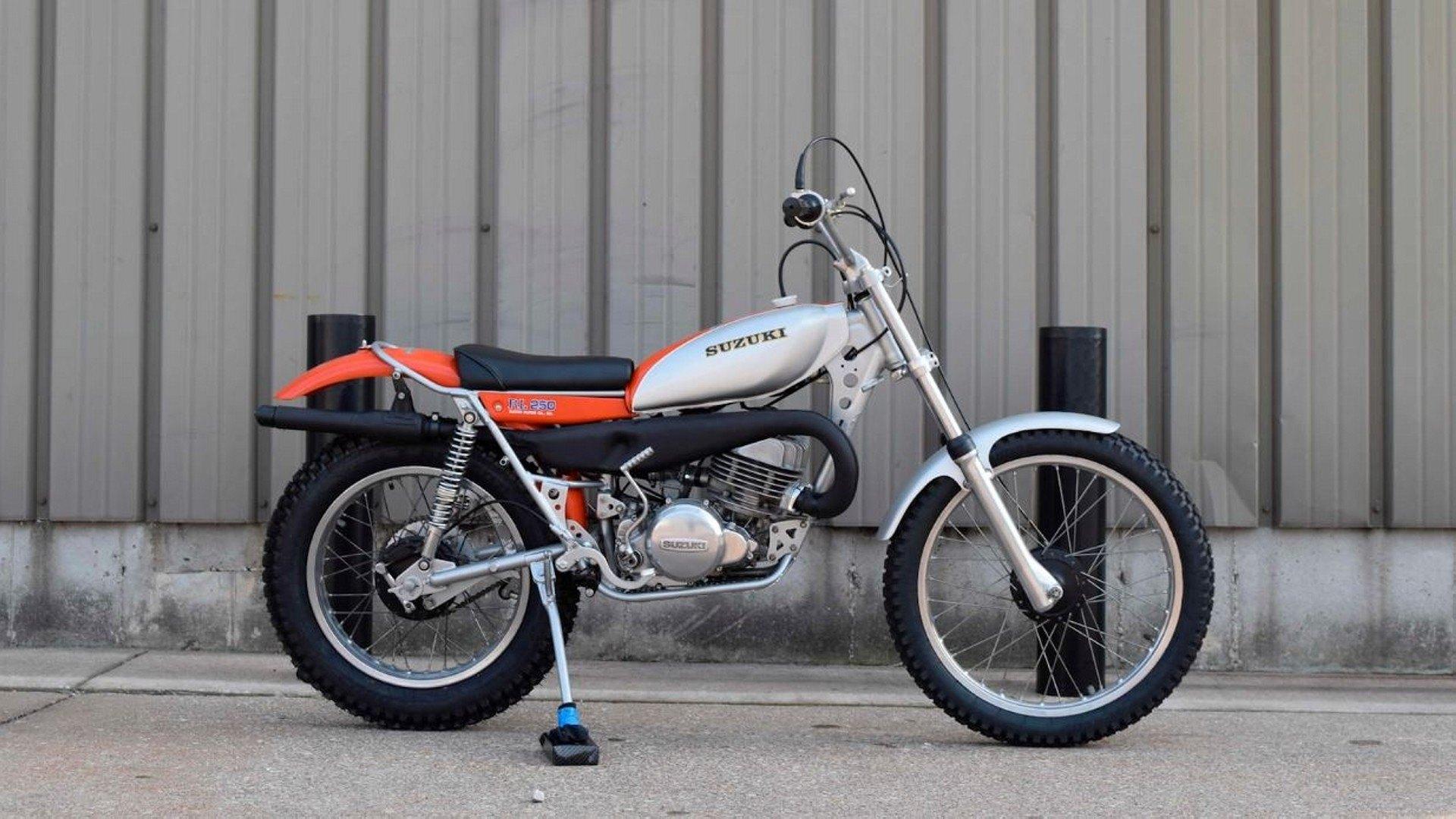 Moto del día: Suzuki RL 250 Exacta