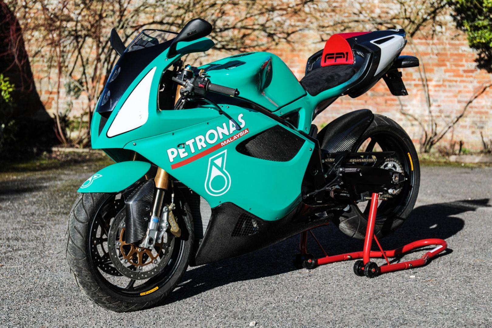 Moto del día: Triumph Daytona 1200 | espíritu RACER moto