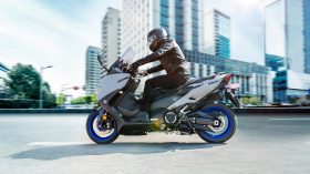 2020 Yamaha XP500A EU Icon Grey Action 004 03