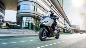 2020 Yamaha XP500A EU Icon Grey Action 005 03