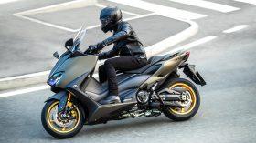 2020 Yamaha XP500ADX EU Tech Kamo Action 003 03