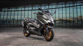 2020 Yamaha XP500ADX EU Tech Kamo Static 005 03