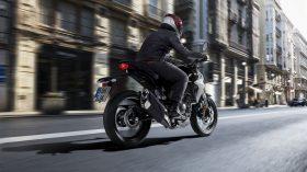 Honda CB 300 R 7