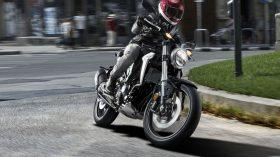 Honda CB 300 R 8
