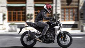 Honda CB 300 R 9