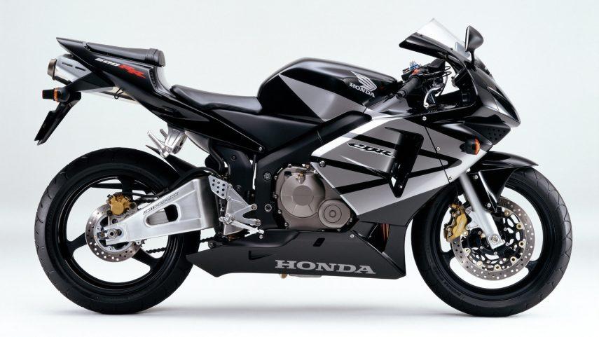 Moto del día: Honda CBR 600 RR (2004)