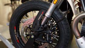 Moto Guzzi V85 TT Travel 06