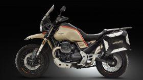 Moto Guzzi V85 TT Travel 11