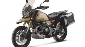 Moto Guzzi V85 TT Travel 16