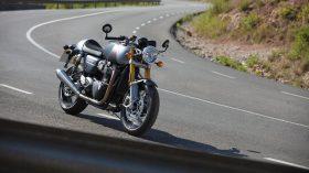Triumph Thruxton RS 2020 02