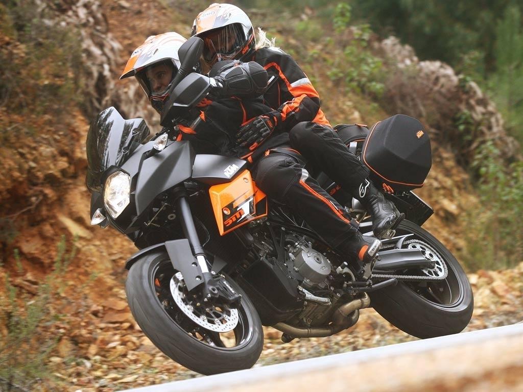 KTM 990 Supermoto T 2012 5