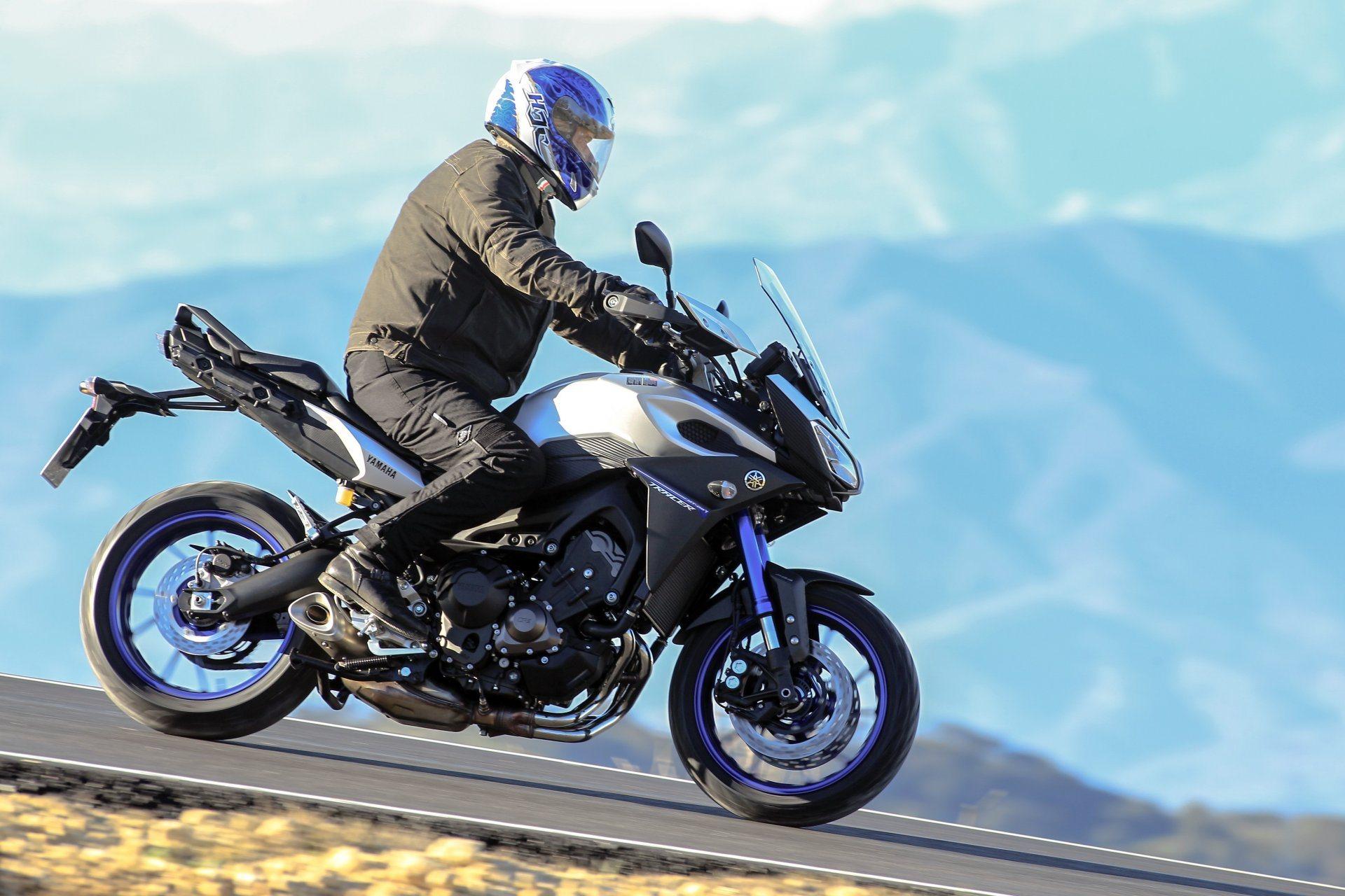 Moto del día: Yamaha Tracer 900 (2015)
