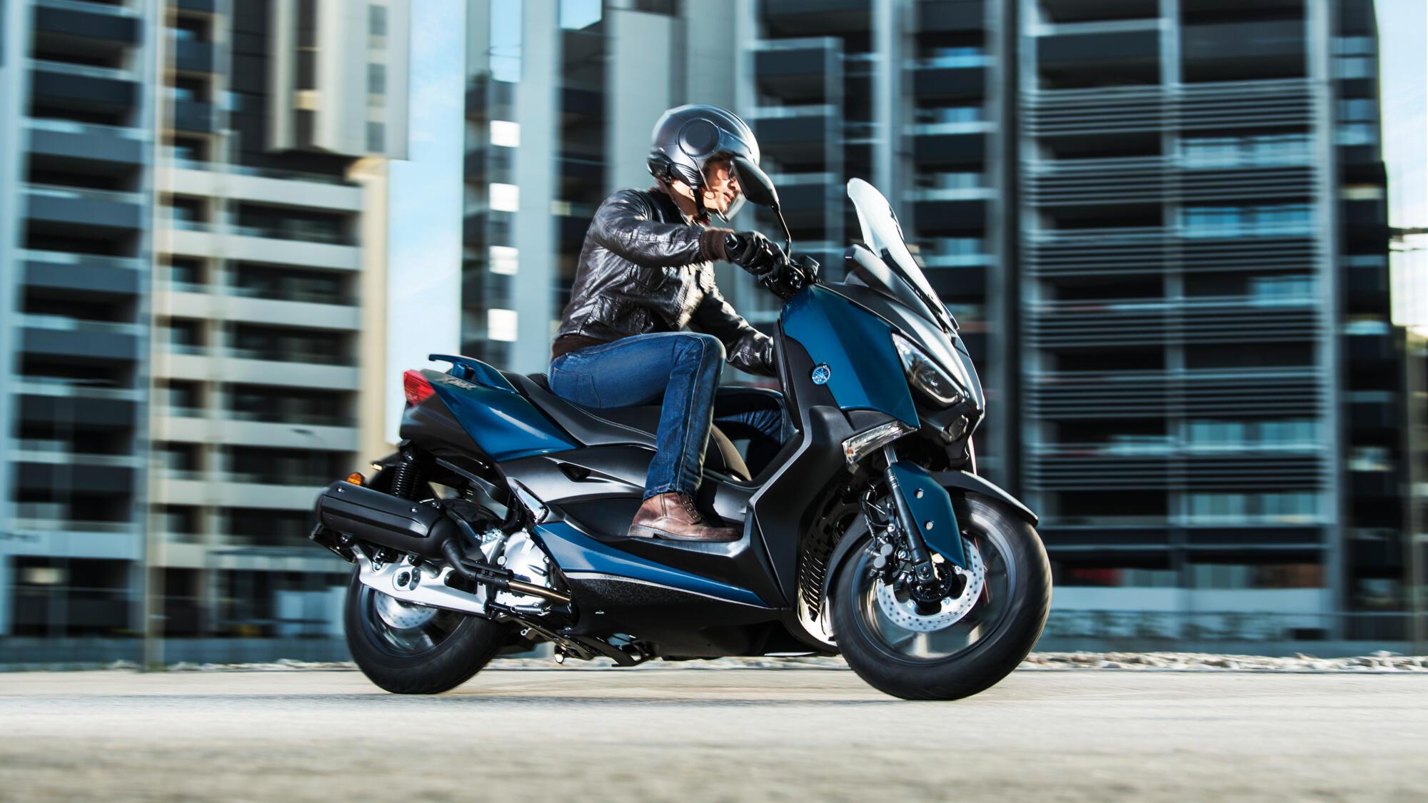Yamaha XMAX 125 2