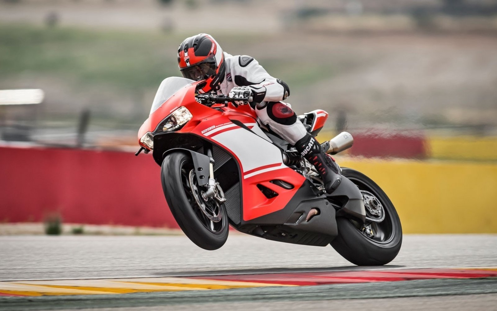 Ducati 1299 Superleggera 03