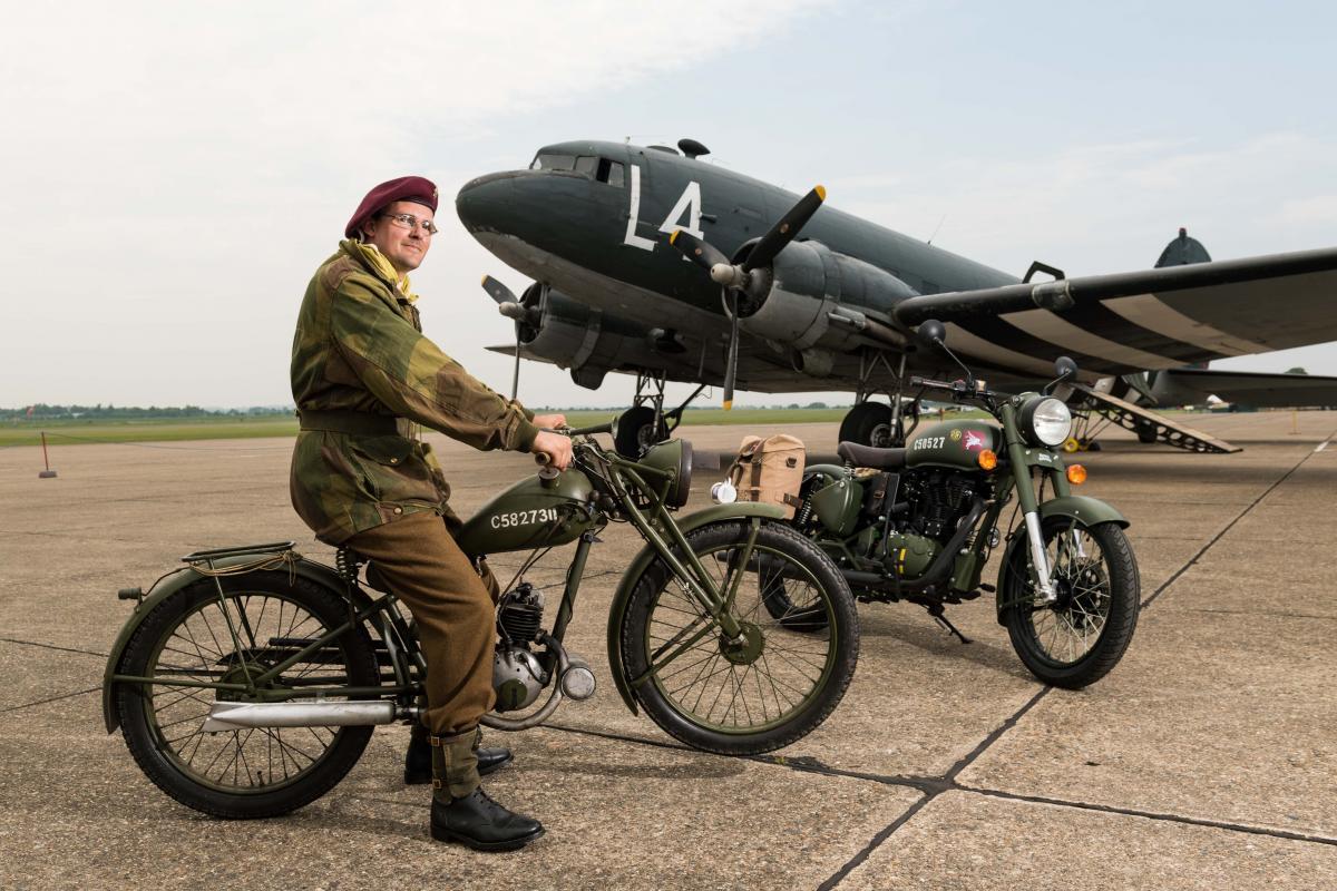 """Moto del día: Royal Enfield WD/RE """"Flying Flea"""""""
