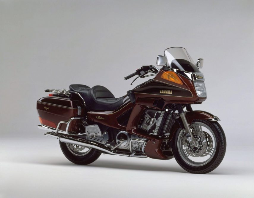 Moto del día: Yamaha XVZ13D Venture Royale