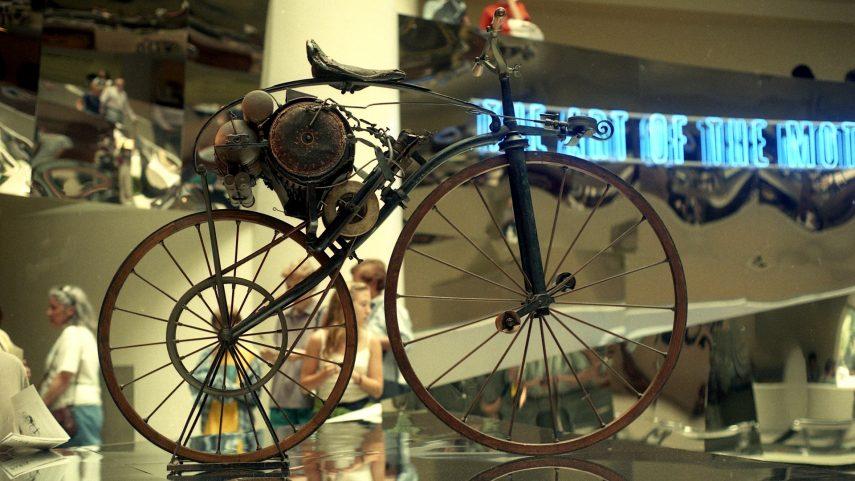 Moto del día: Velocípedo Michaux-Perreaux a vapor
