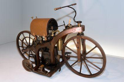 Daimler Reitwagen 01