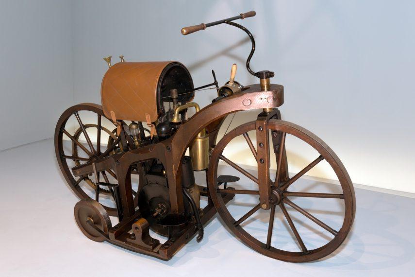 Moto del día: Daimler Petroleum Reitwagen