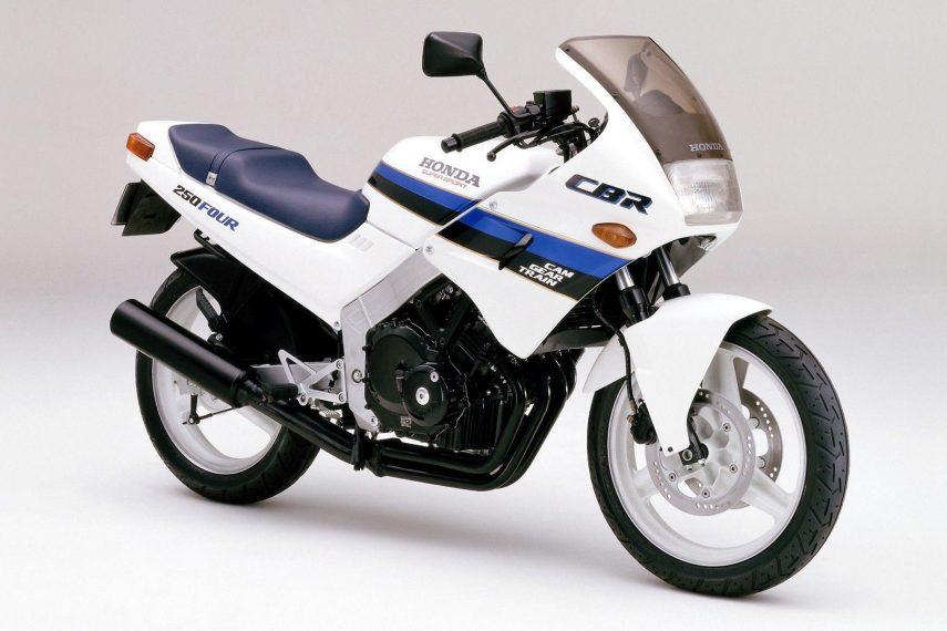 Moto del día: Honda CBR 250 Four (MC14) y CBR 250 R (MC17)