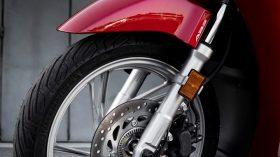 Honda Scoopy SH125i 04