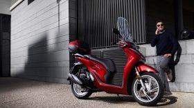 Honda Scoopy SH125i 29