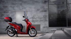 Honda Scoopy SH125i 30