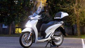 Honda Scoopy SH125i 64