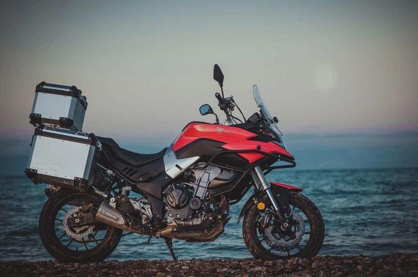 VOGE 500DS, la trail aventura premium de Loncin