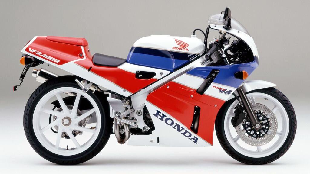 Moto del dia: Honda VFR 400 R (NC30)