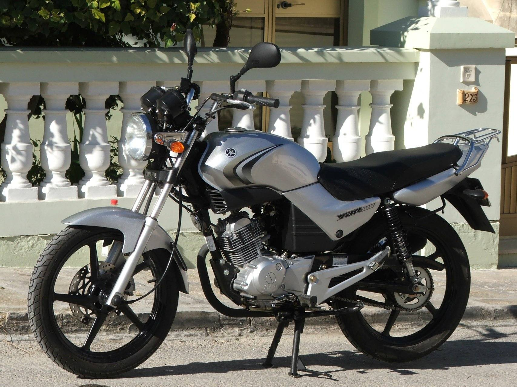 Yamaha YBR 125 6