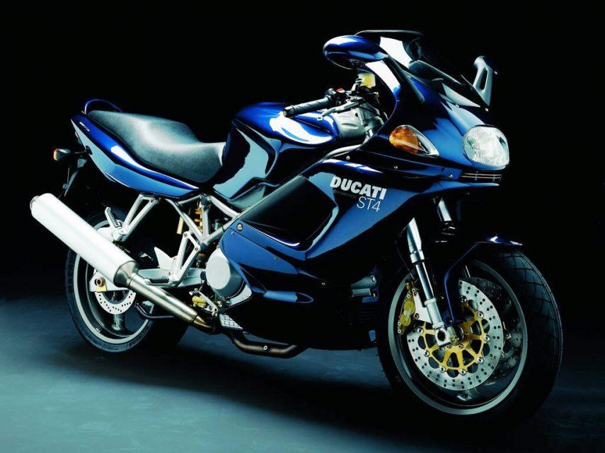 Moto del día: Ducati ST4