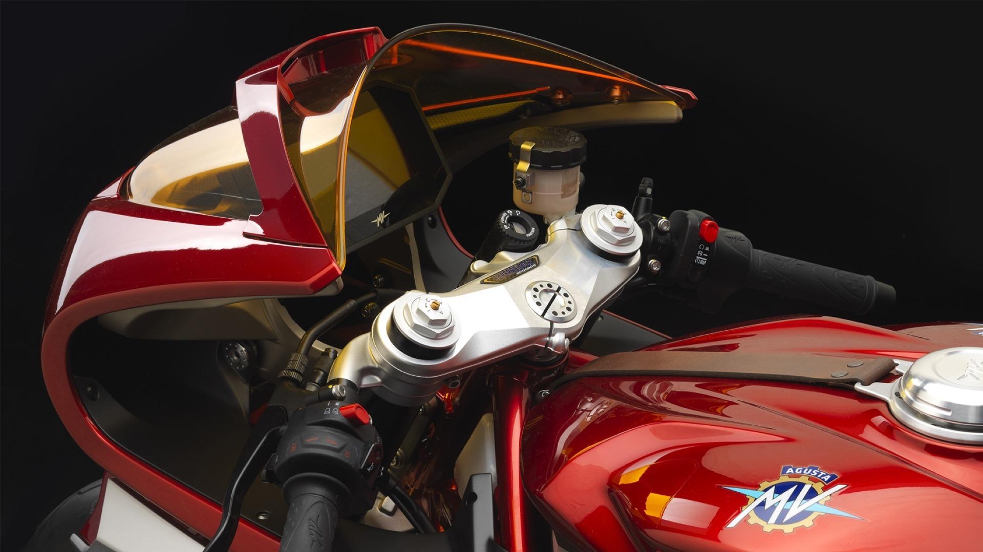 MV Agusta Superveloce 02