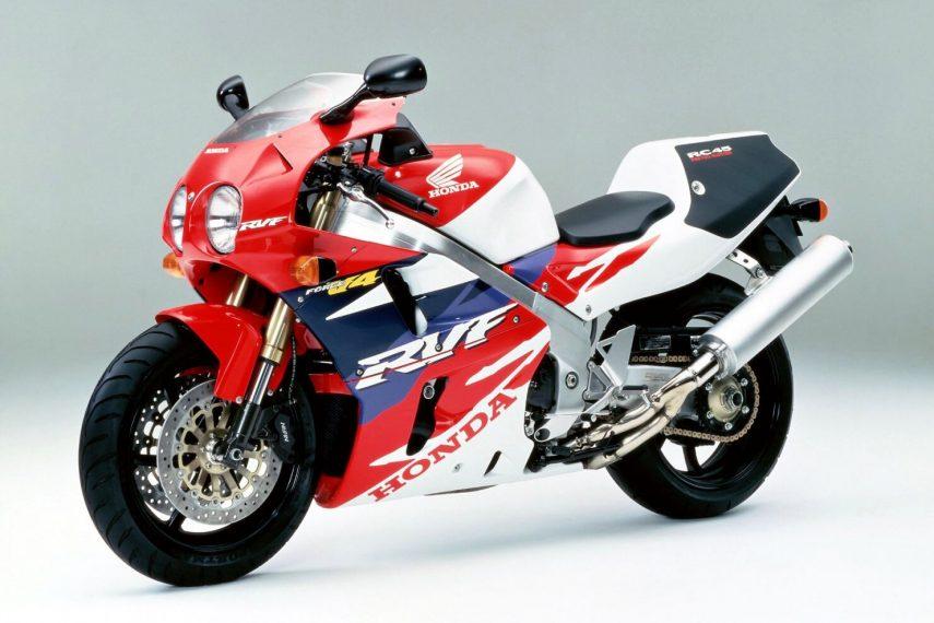 Moto del día: Honda RVF 750 (RC45)