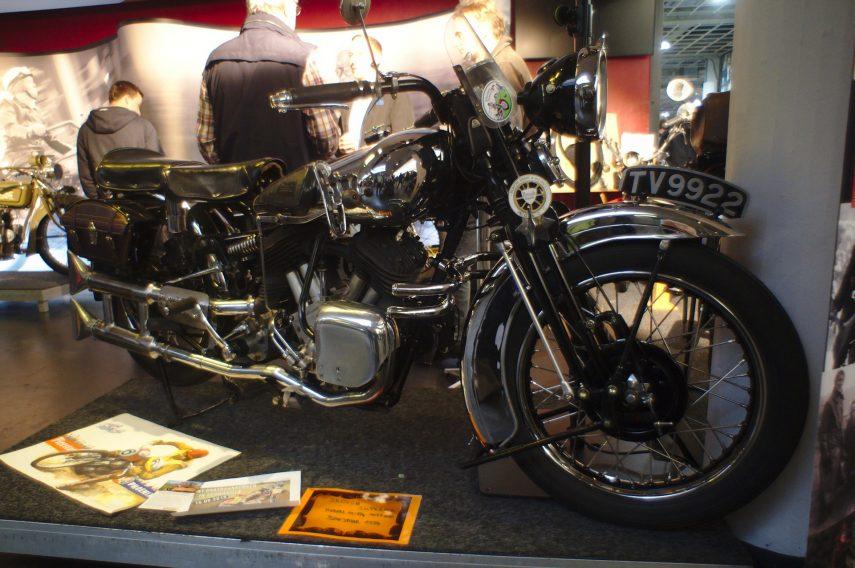 Brough Superior SS100 04